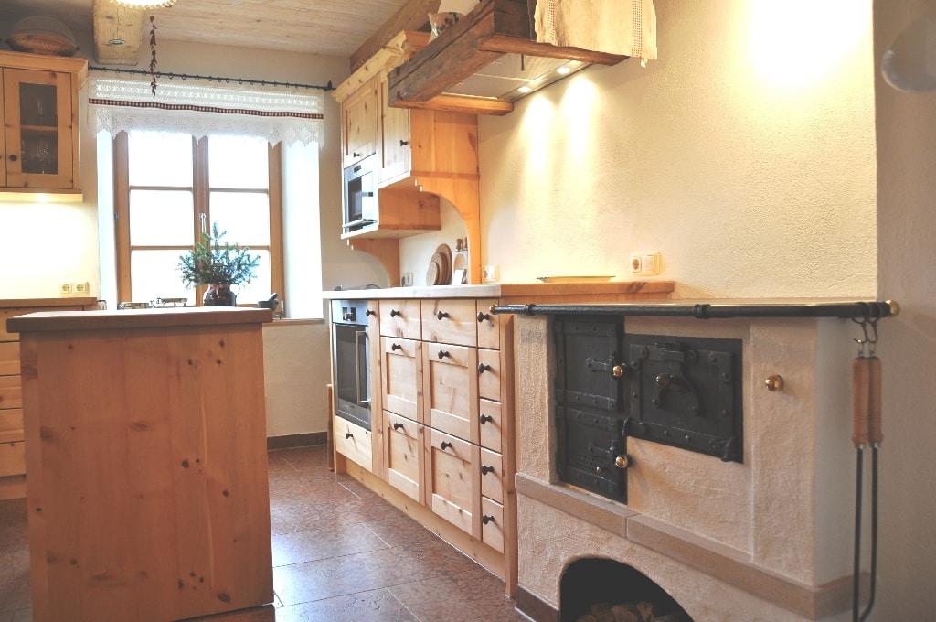 Klassisch & Modern Küchen (bitte klicken!) |